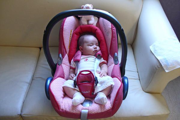 автолюлька для новорожденных фото с ребенком