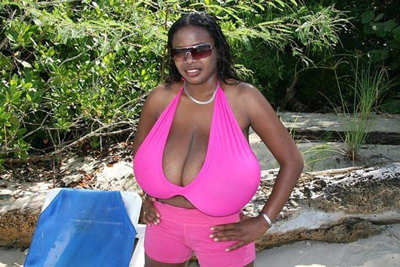 Сперму самая большая грудь в мире без одежды
